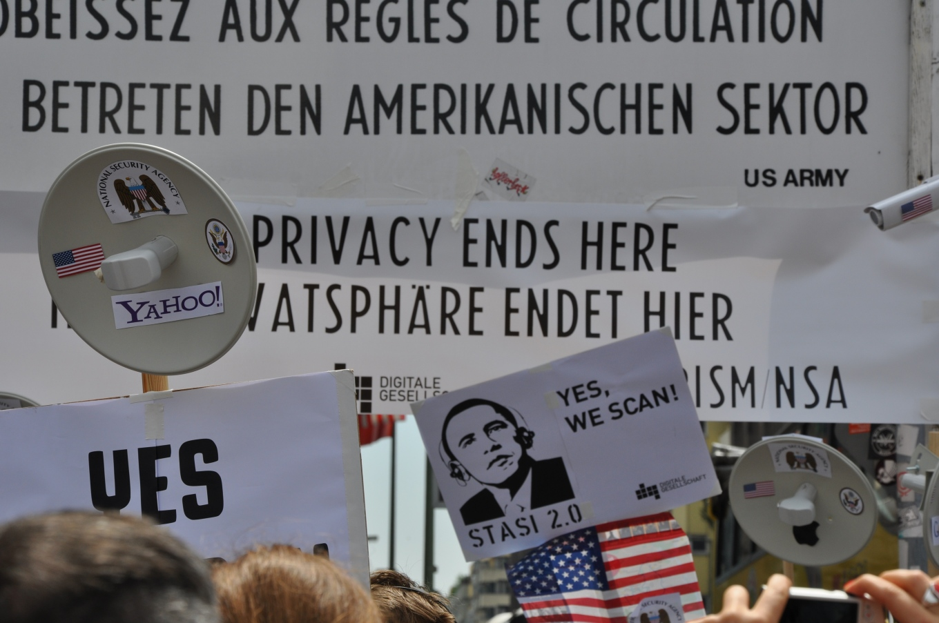 DigiGes_PRISM_Yes_we_scan_-_Demo_am_Checkpoint_Charlie_June_2013