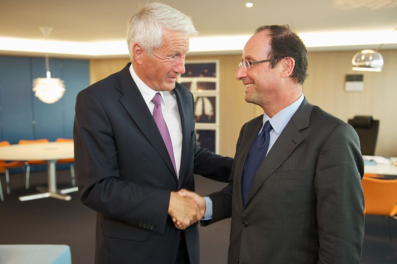 800px-Thorbjørn_Jagland_greets_Francois_Hollande