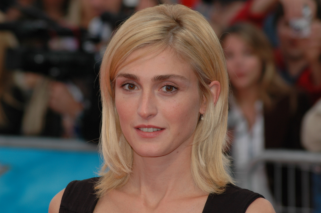 Julie_Gayet_at_the_2007_Deauville_American_Film_Festival-01